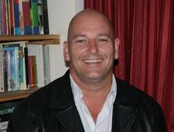 Daniel D Longdon