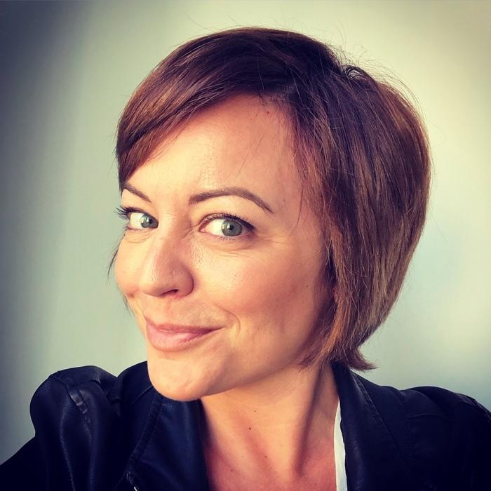 Sarah K Knight