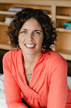 Elizabeth G Scanlon