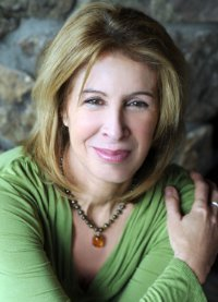 Sara D Davidson