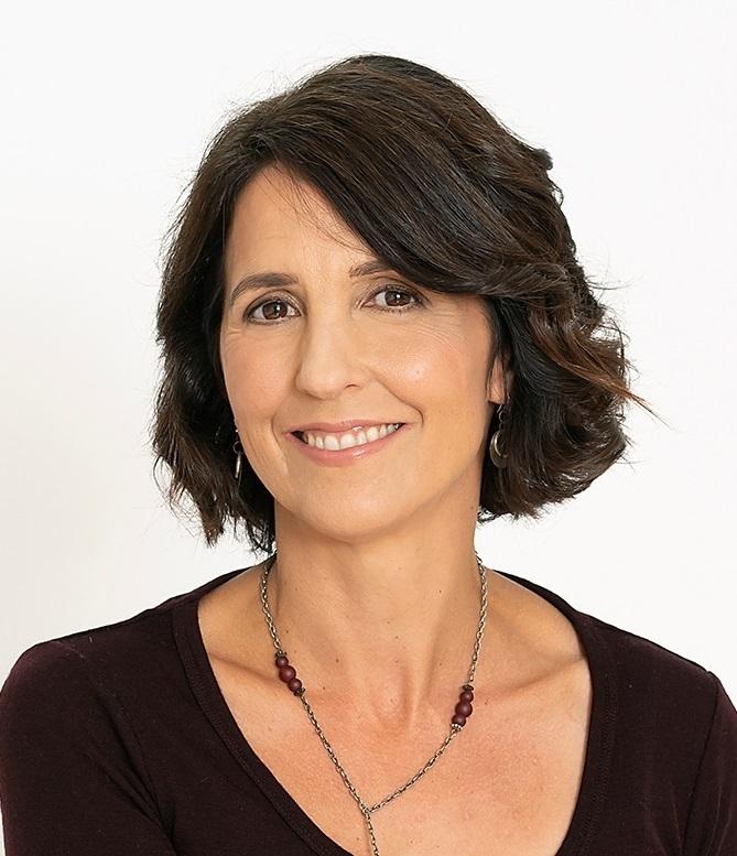Lara  Briden
