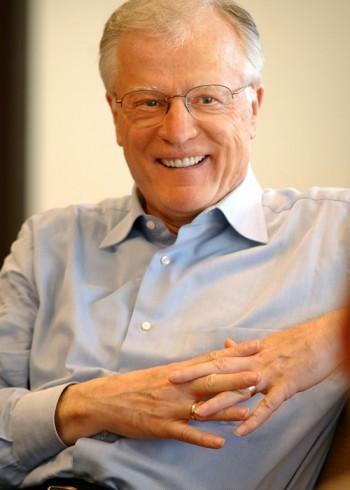Erwin W Lutzer